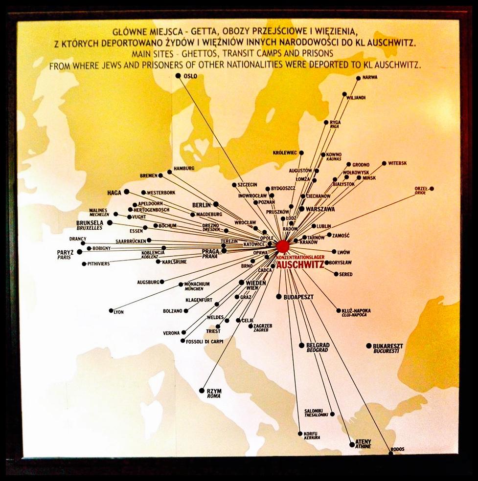 1.3 Miljoen mense is hier vermoor. Die meeste van hulle was Jode wat van oral oor Europa hierheen gestuur is om hul dood in 'n gaskamer tegemoet te gaan.