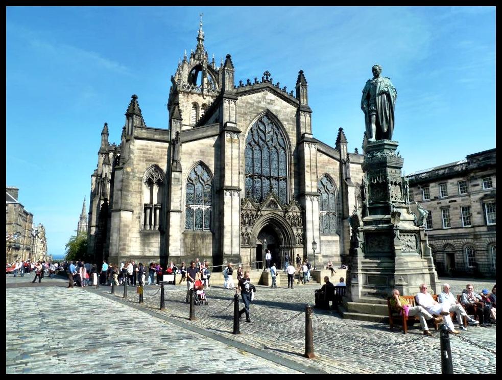 Die standbeeld van Adam Smith, die outeur van 'The Wealth of Nations' en die sogenaamde 'Vader van Kapitalisme'.