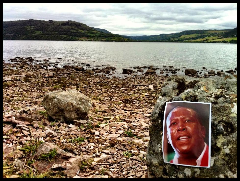 Ek kon my geluk nie glo nie, want daar langs die oewer van Loch Ness het ek jou wrintiewaar die veelbesproke monster aangetref.