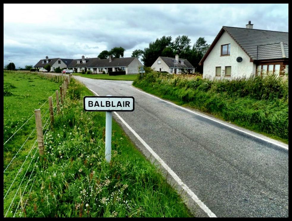 'n Dorpie in die Hooglande, vernoem na Tony se minder bekende broer, Bal.