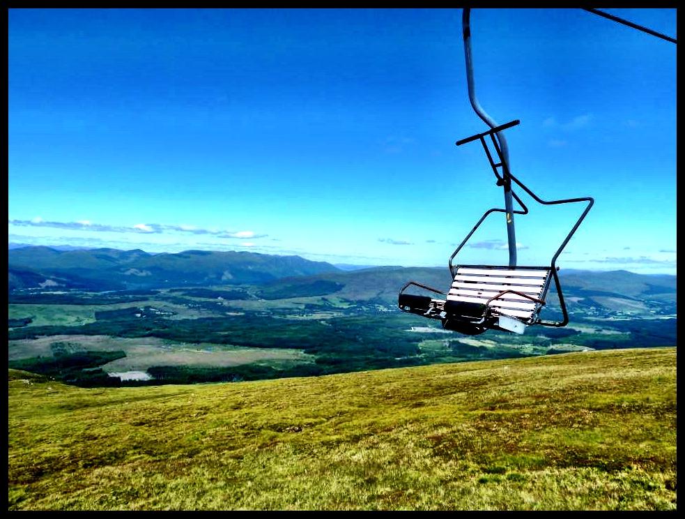 Op die sweefspoor by Ben Nevis – die hoogste punt in die Skotse Hooglande. Die Invisible Man het ooglopend óók sy sweefspoorrit by Ben Nevis geniet.