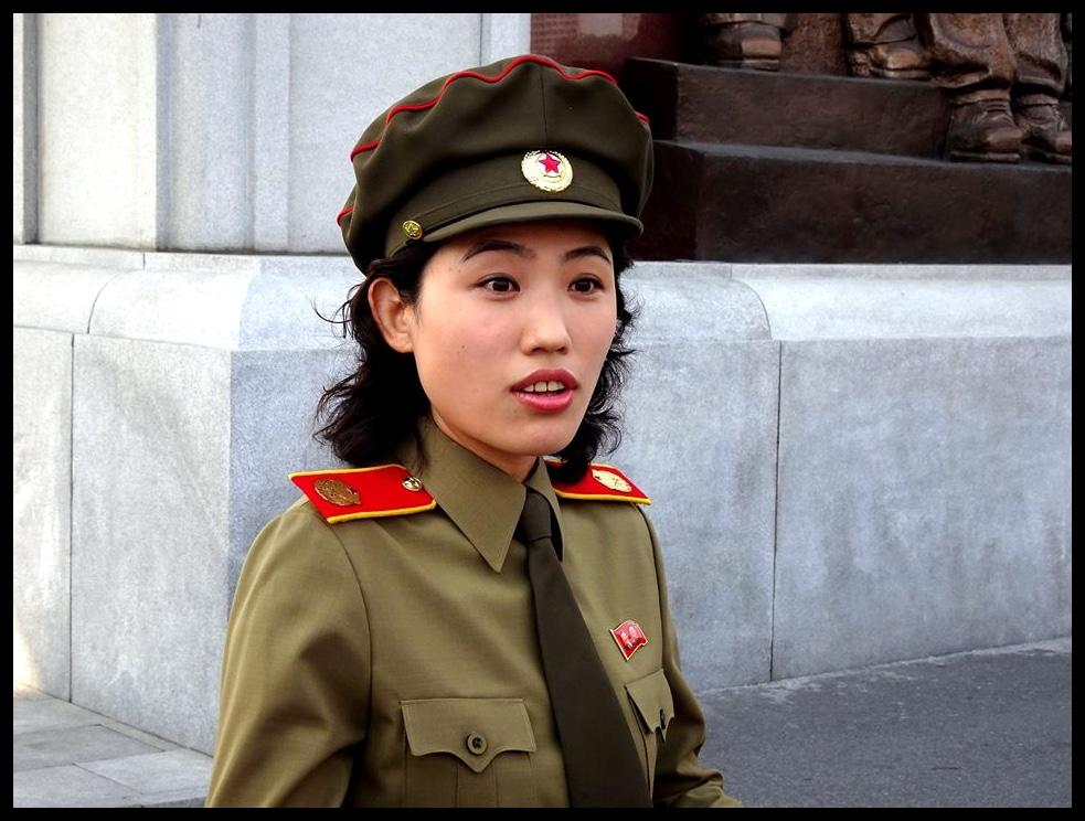 Missus Wong, wat net soos Juffrou Rottemaaier, nié met haar laat mors nie.